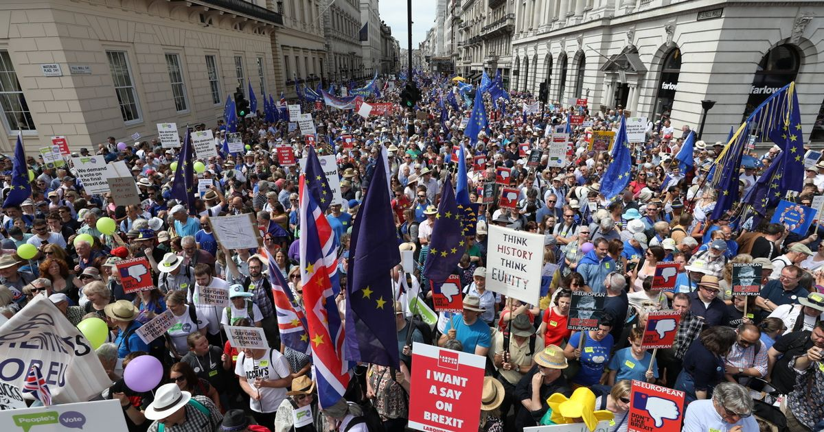 PAY-Peoples-Vote-march-for-a-second-EU-referendum